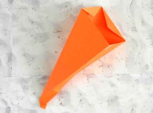 Origami Carrot Gift Box tutorial