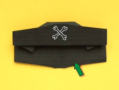 how to fold an origami pirate hat