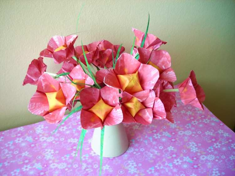 Joost langeveld origami page card with cute and sweet pink origami flowers mightylinksfo