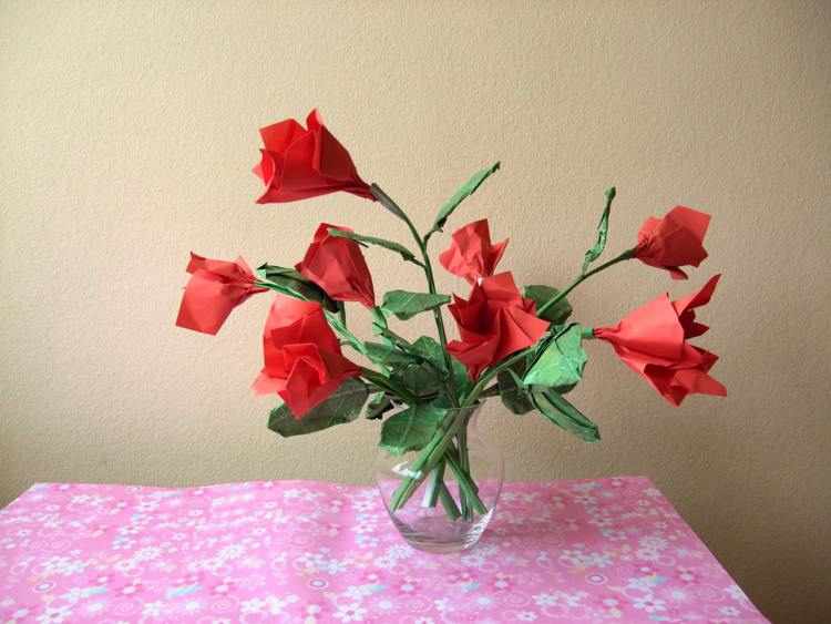 ORIGAMI ROSES HOW TO FOLD