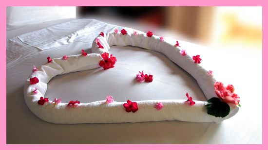 towel origami valentine heart